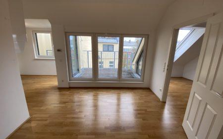 Hochwertige 2-Zimmer DG-Wohnung nahe Meidlinger Hauptstraße - provisionsfrei!