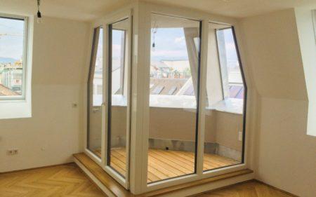 Sonnige DG-Wohnung mit Loggia im Karmeliterviertel zu vermieten - provisionsfrei